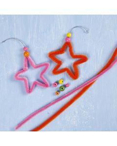Värikkäitä tähtiä askartelupunoksista