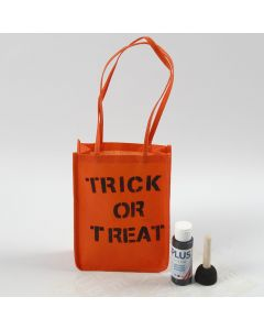 Tekstillä koristeltu oranssi Halloween-kassi