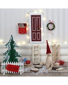Tontun ovi, aita ja postilaatikko