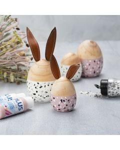 Puiset munat ja puput maalattu Plus Colorilla ja koristeltu Terrazzo-hiutaleilla.