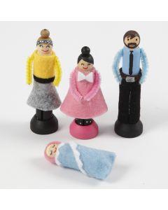 Pyykkipojista tehdyt nuket