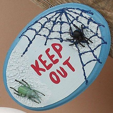 Hämähäkki ovikyltti