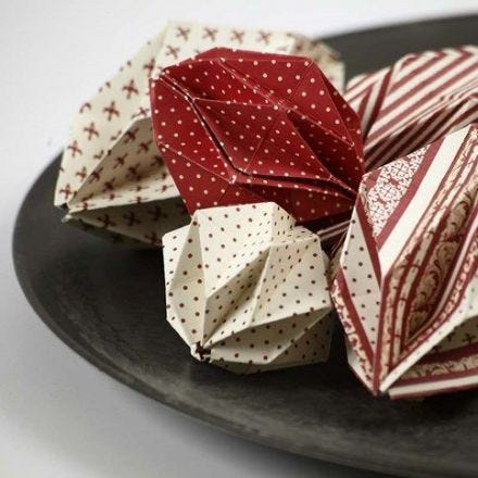 Origamikoristeet Copenhagen Design-paperista