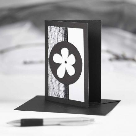 Mustavalkoinen kortti