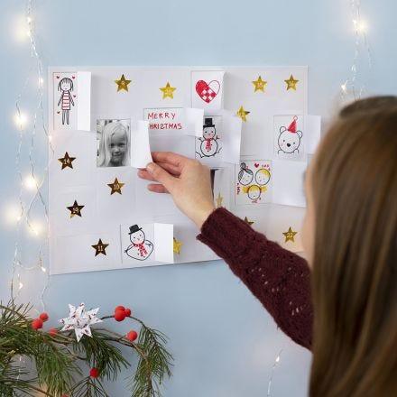 Lasten koristelema joulukalenteri