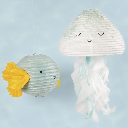 Riisipaperilampusta tehdyt meduusa ja kala
