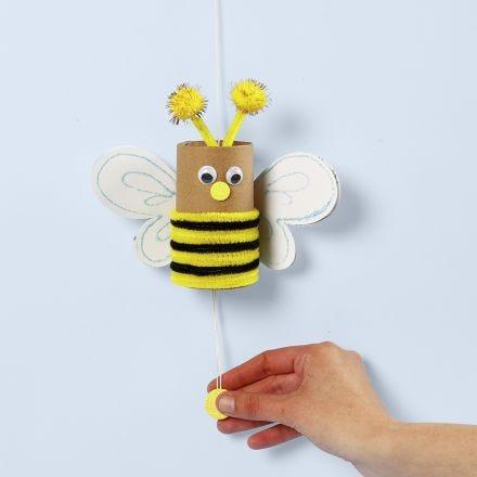 Mehiläinen pahvirullasta
