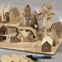 Rakenna oma kaupunki kierrätysmateriaalista ja kartongista