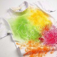 Spraymaalattu T-paita