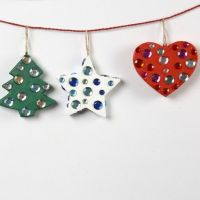 Pahviset joulukoristeet akryylitimantein
