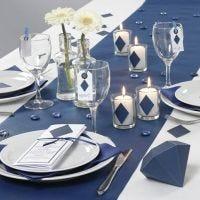 Siniset Happy Moments -sarjan pöytäkoristeet ja menu