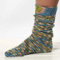 Kierrekuviolla neulotut sukat